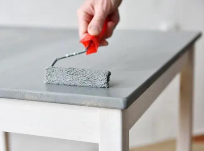 Consejos para pintar un mueble de madera antiguo