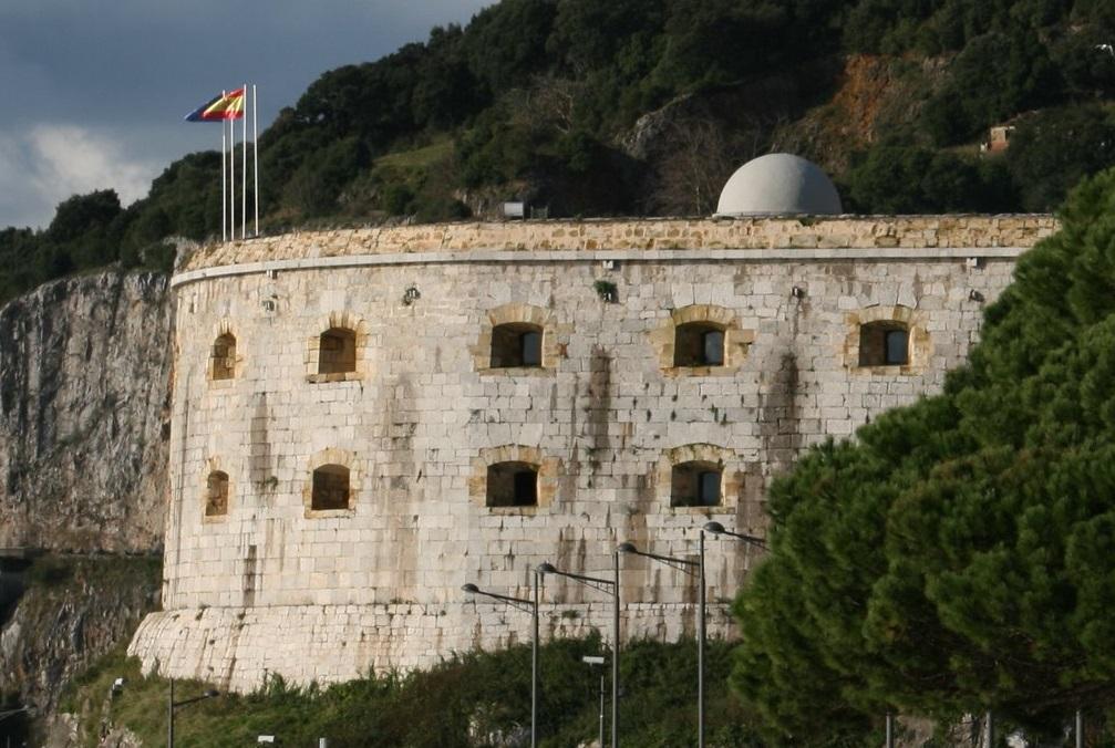 Santoña, una ciudad ejemplar en arquitectura militar