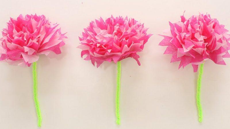 Flores de papel de seda para decorar una fiesta de cumpleaños infantil